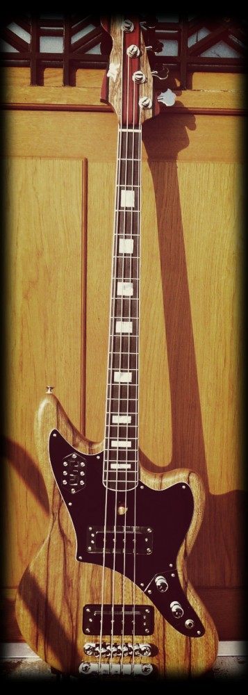 "Jaguar Bass type ""DR"""